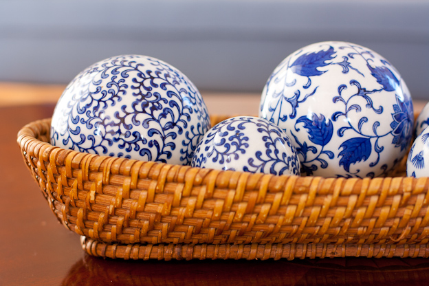 Blue and white decorative ceramic balls