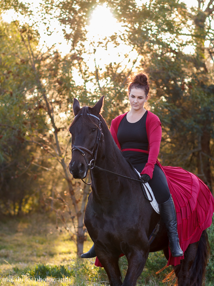 horse photography South Africa, moi du toi photography, friesian horse and lady with cloak