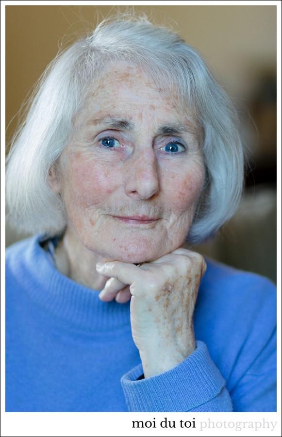 mature-woman-portrait-8526