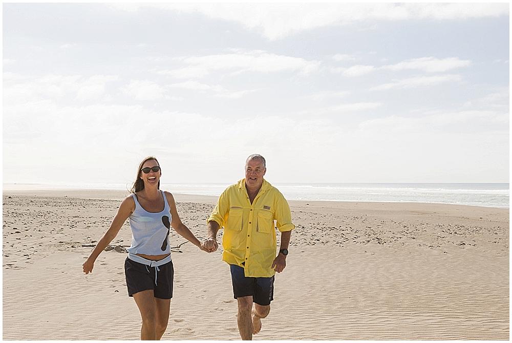 couples photoshoot on the beach sedgefield photographer moi du toi
