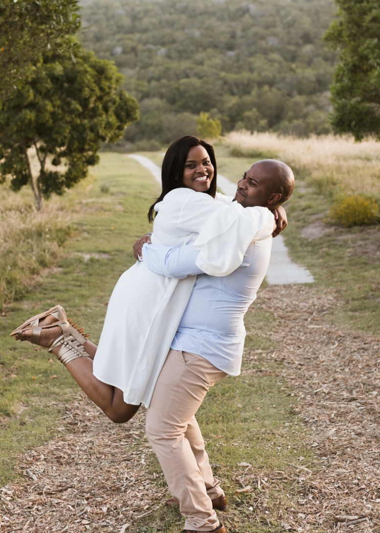 moi du tois approach to couples photography Equleni guest farm Sedgefield