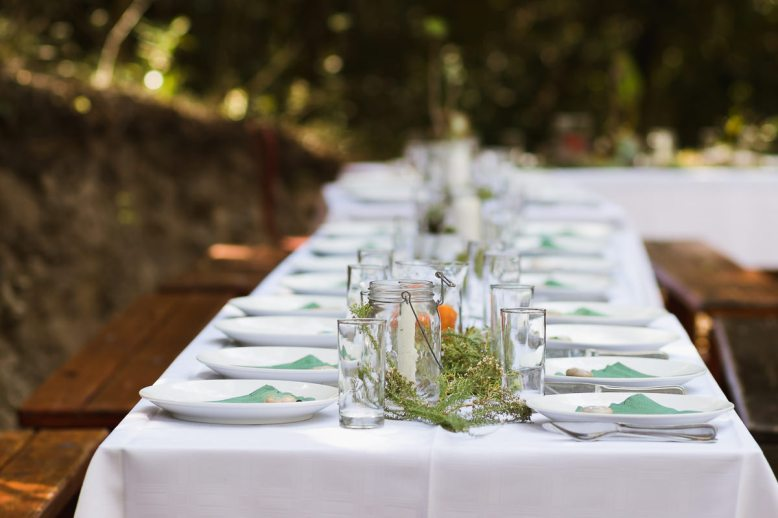 Outdoor wedding reception table as photographed by sedgefield photographer moi du toi