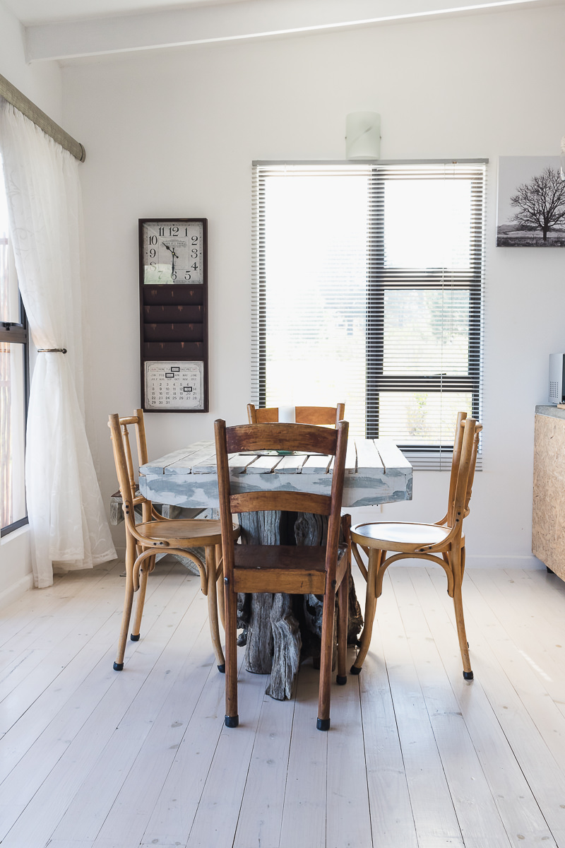 Dining room real estate bnb photo shoot at Equleni sedgefield garden route photographer moi du to