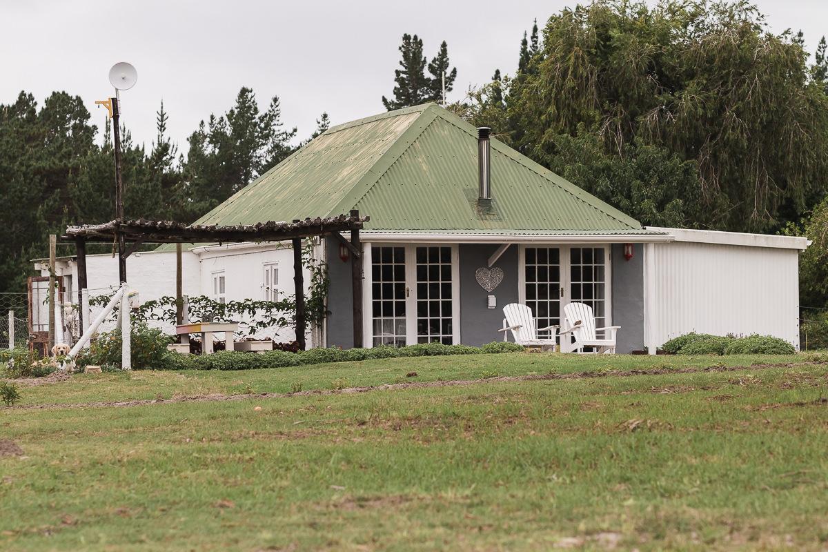 Cabin real estate bnb photo shoot at Equleni sedgefield garden route photographer moi du to