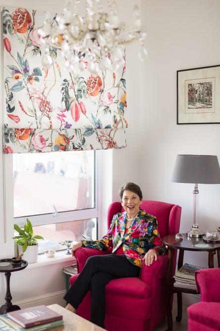 woman sitting pose colourful personal branding photo session knysna